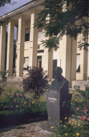 Buste d'Alexandre Yersin - Institut Pasteur de Nha Trang