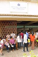 Patients devant la consultation du centre antirabique de l'institut Pasteur de Phnom Penh