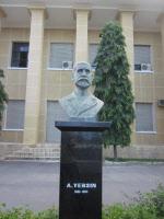 Buste sculpté d'Alexandre Yersin à l'Institut Pasteur de Nha Trang
