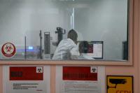 Institut Pasteur de Corée. Chercheurs dans un laboratoire de sécurité niveau 2 (BSL2)