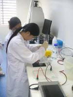 Institut Pasteur du Laos en 2012. Travail de laboratoire.