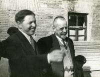 Georges Eliava (1892-1937) et Félix d'Herelle (1873-1949) à Tiflis (Géorgie) vers 1934.