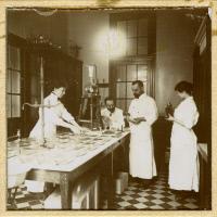 Félix d'Hérelle à Institut Pasteur vers 1918-1919