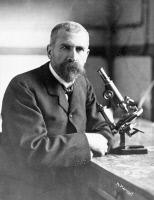 Emile Roux dans son laboratoire vers 1900