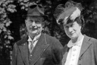 René Dujarric de la Rivière et sa femme Marcelle vers 1955