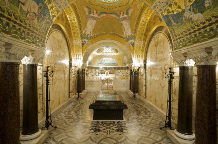 Chapelle funéraire où repose Louis Pasteur. Musée Pasteur à l'Institut Pasteur, Paris.