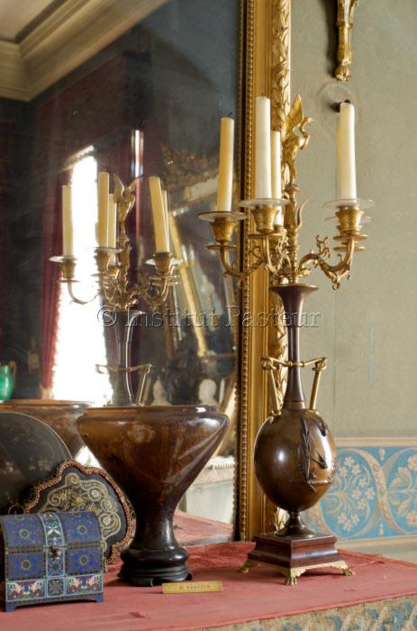 Vase de Gallé dans l'appartement de Pasteur, musée Pasteur Paris.