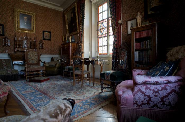 Le petit salon. Appartement de Louis Pasteur.