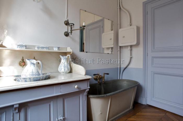 La salle de bain de l'appartement de Louis Pasteur