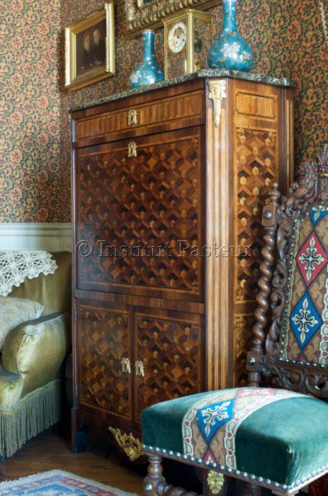 Meubles dans l'appartement de Pasteur