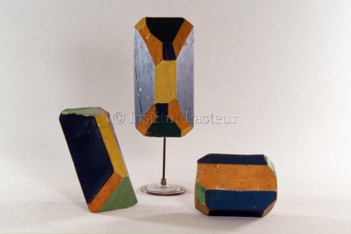 Modèles de cristaux peints