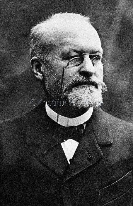 Portrait d'Alphonse Laveran (1845-1922) vers 1907.