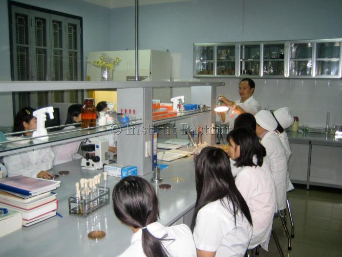 Centre d'Enseignement à l'Institut d'Hygiène et d'Epidémiologie (NIHE) de Hanoï