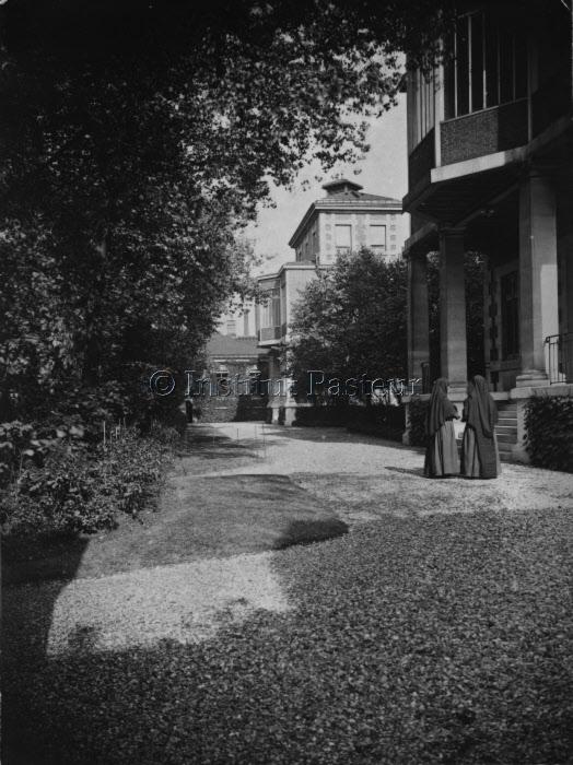 Hôpital Pasteur, pavillons E. Roux et L. Martin vers 1910-1920