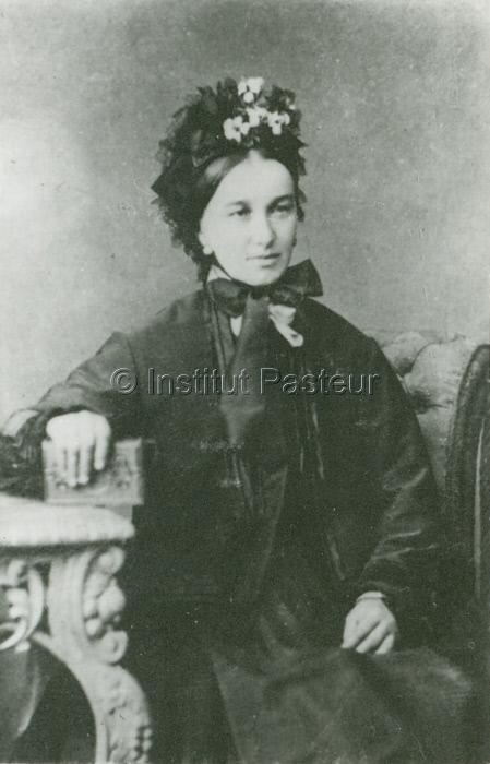Mme Meister, mère