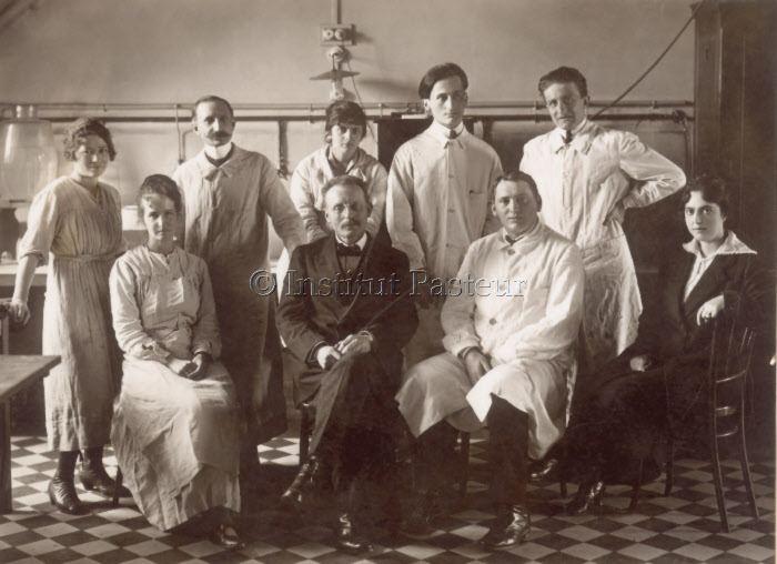 Laboratoire d'anatomie pathologique dirigé par Auguste Pettit (1919)