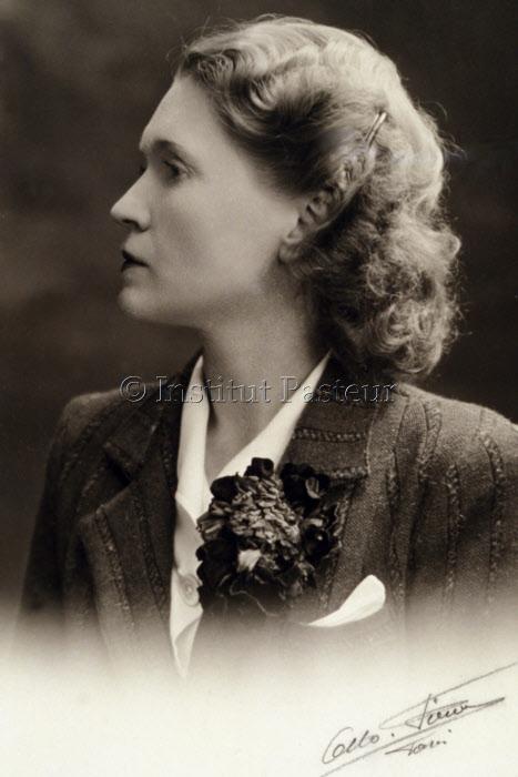 Thérèse Tréfouël (1892-1978) en 1941