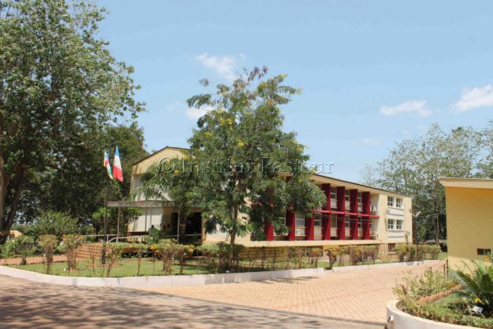 Bâtiment principal de l'Institut Pasteur de Bangui en 2012