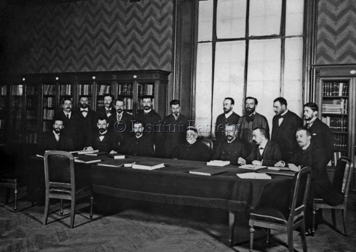 Louis Pasteur et ses collaborateurs, 1894