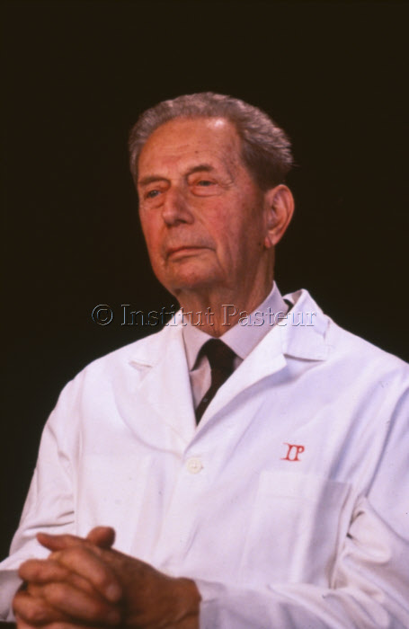 Pr. André Lwoff (1902-1994) - photo de 1987