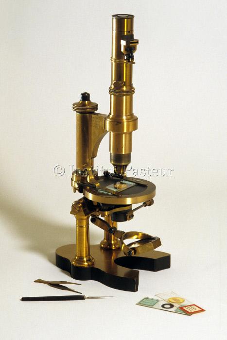 Microscope Nachet utilisé par Louis Pasteur vers 1860