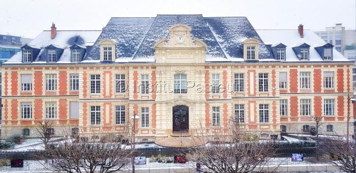 Bâtiment Duclaux sous la neige en 2019