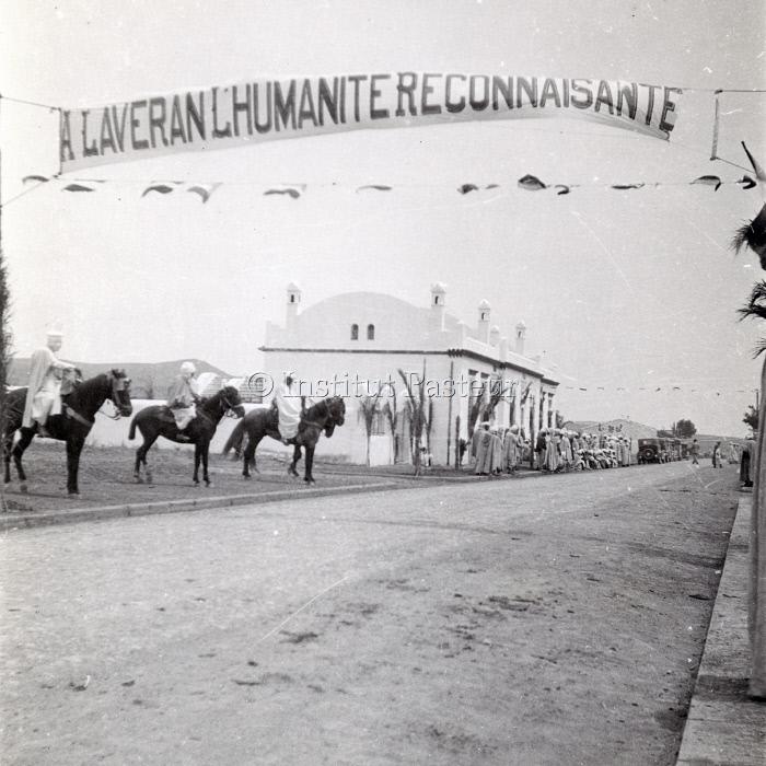 Inauguration d'un monument commémoratif au village de Laveran